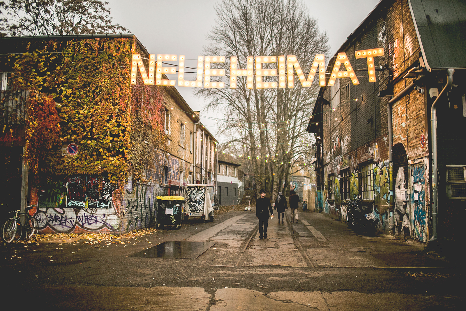 Village Market, Neue Heimat, Berlin – Unfolded